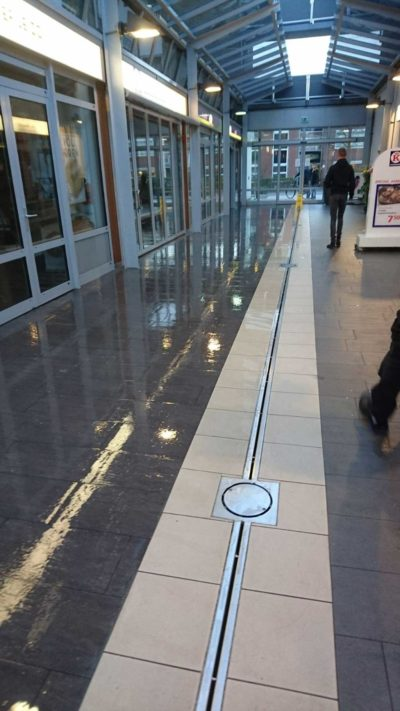 GripFactory TitaniumGrip antislip - tegelvloer winkelcentrum