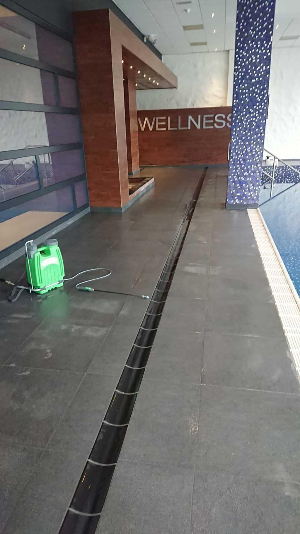 GripFactory TitaniumGrip Anti-Slip - tile floor pool